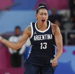 Debora Gonzalez, baloncestista argentina, celebra un triple contra EEUU en los Juegos Panamericanos Lima 2019