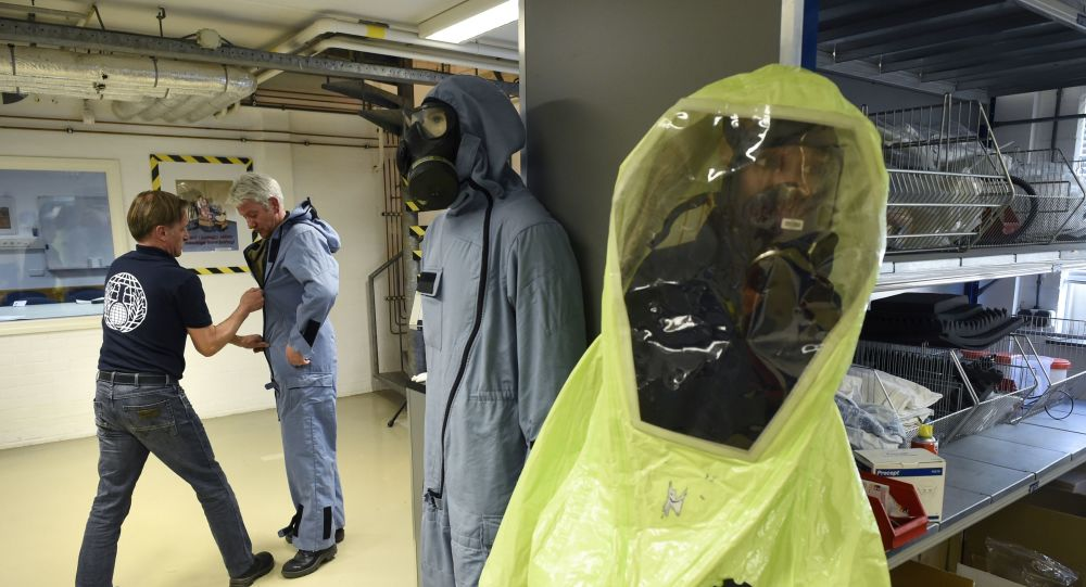 El traje de protección química
