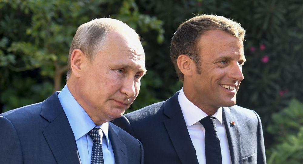 El presidente francés, Emmanuel Macron, y su homólogo ruso, Vladímir Putin (archivo)