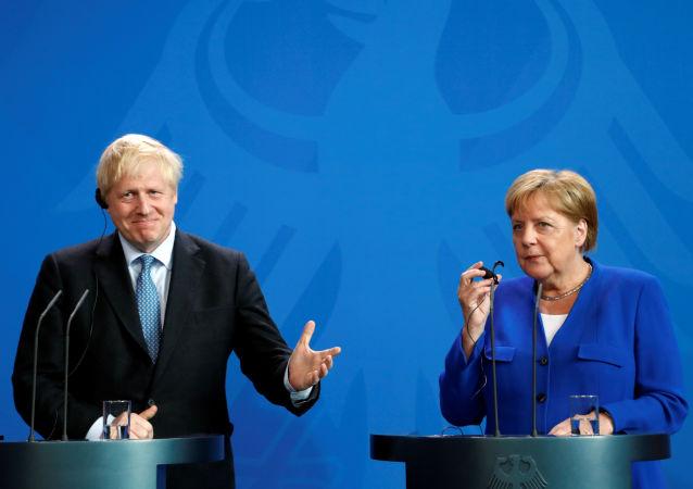 Angela Merkel y Boris Johnson
