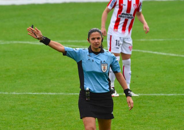 Claudia Umpiérrez, árbitra uruguaya