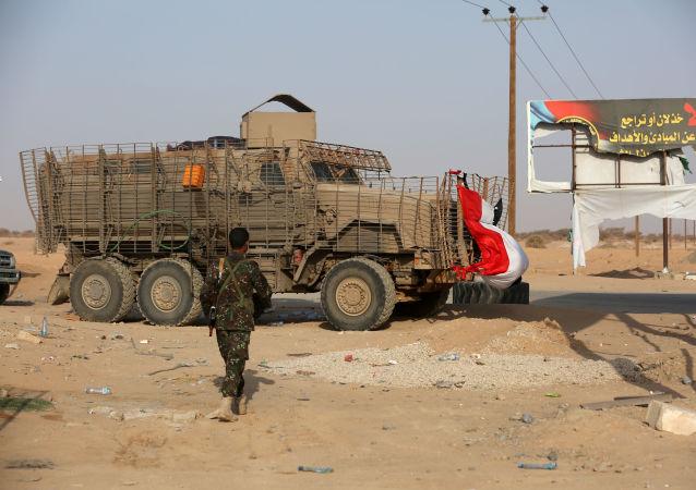 Un soldado de las Fuerzas del Gobierno yemeníes