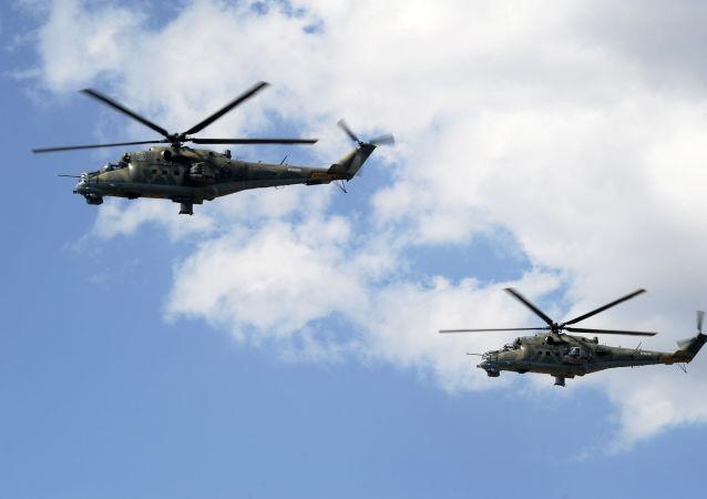 Los helicópteros Mi-24 participan en un entrenamiento
