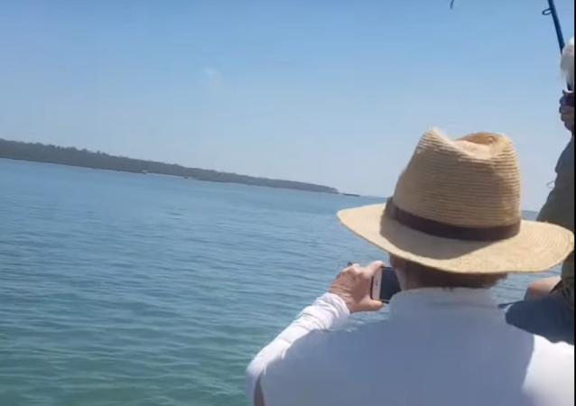 Un australiano pesca un enorme cocodrilo