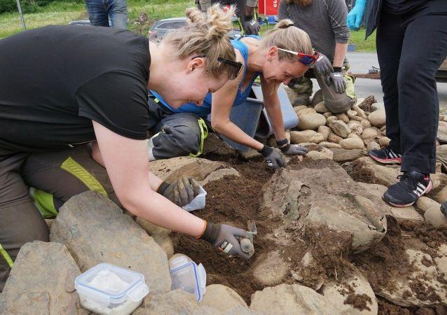 Arqueólogos escavan el área de Gylland, en Noruega (archivo)