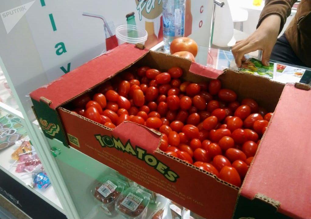Los tomatos en el estand mexicano en la feria alimentaria internacional WorldFood en Moscú