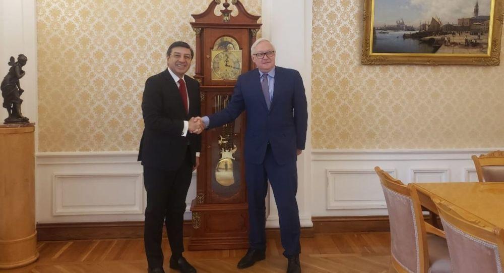 Reunión con el Canciller (e) Serguei Ryabkov.