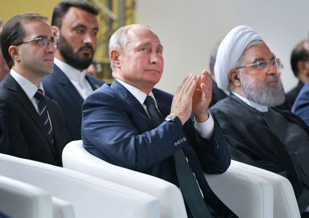 Los presidentes de Rusia e Irán, Vladímir Putin y Hasan Rohaní