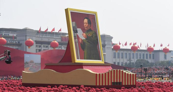 El retrato de Mao Zedong en la Plaza Tiananmen, en el 70 aniversario de la República Popular China
