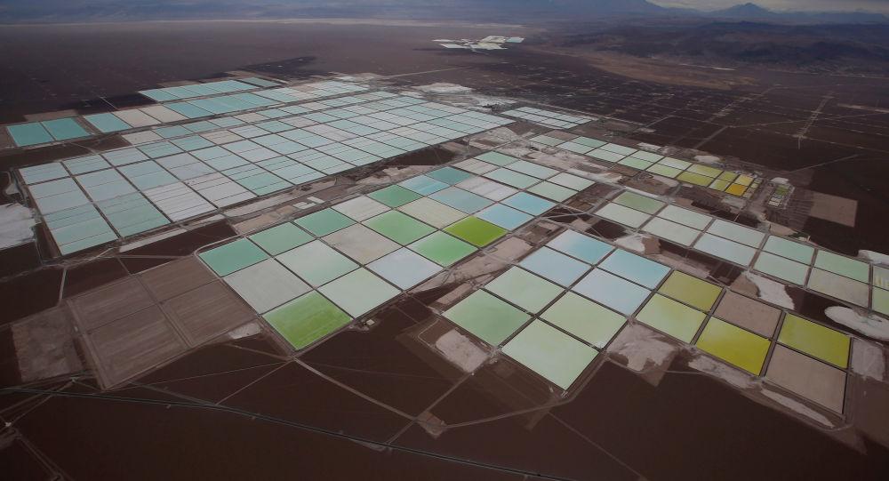 Piscinas de litio de SQM en Atacama, Chile
