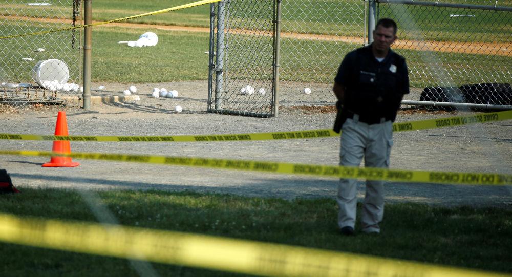 Un policía estadounidense en el lugar de tiroteo (archivo)