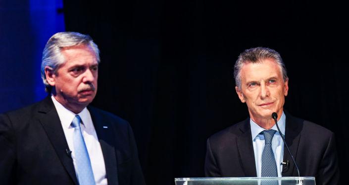 Alberto Fernández y Mauricio Macri durante el primer debate presidencial de 2019 en Argentina