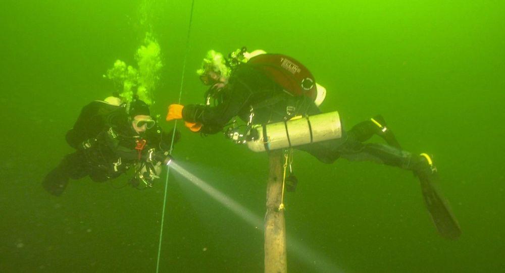 Cazadores de naufragios del equipo Red Ship