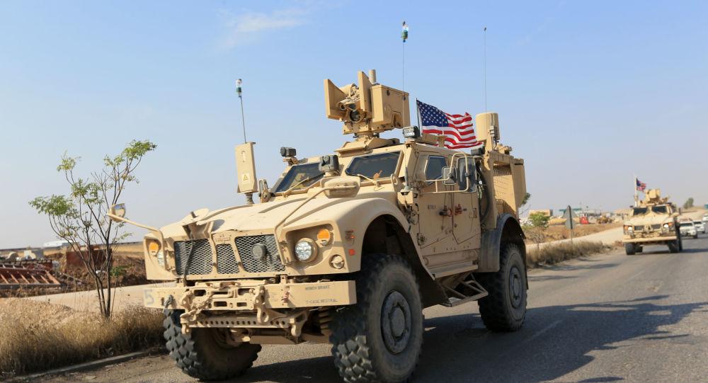 Blindados de EEUU en la frontera siria-iraquí