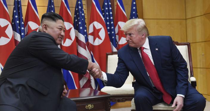 Los líderes norcoreano y estadounidense, Kim Jong-un y Donald Trump