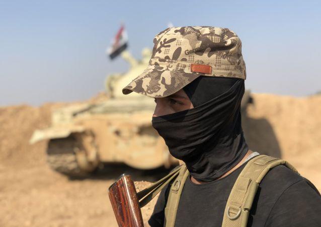 Un combatiente del Ejército sirio
