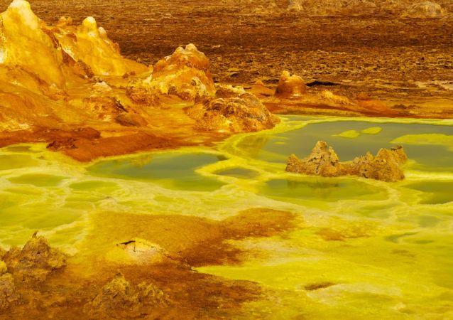 Estanques en la zona del volcán Dallol en Etiopía