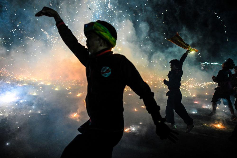Desfiles de lencería, festivales y una fiesta popular rusa: las fotos más impresionantes de la semana