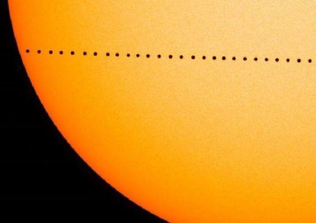 Mercurio cruza el disco solar en 2016