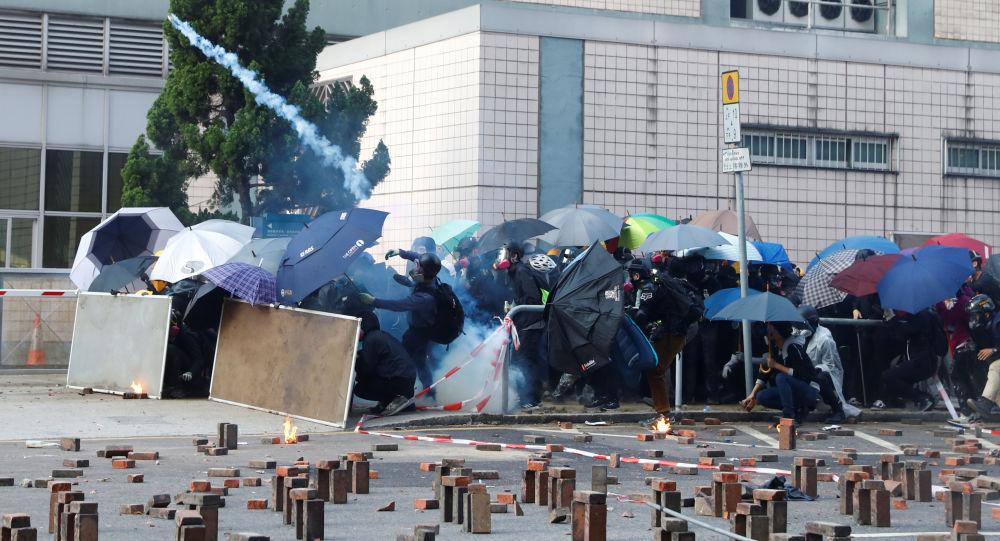 Manifestantes en el campus de la Universidad Politécnica de Hong Kong