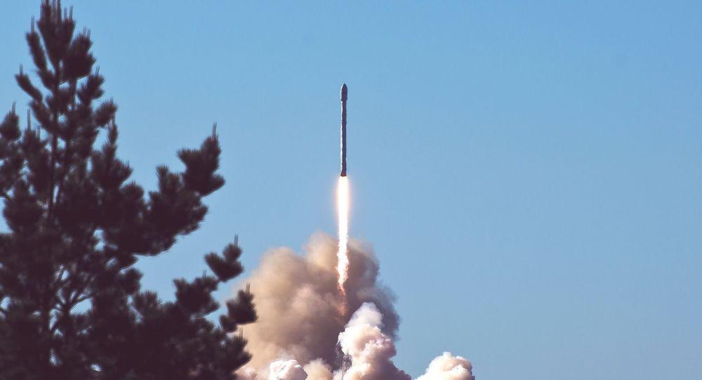 Lanzamiento de un misil. Imagen referencial