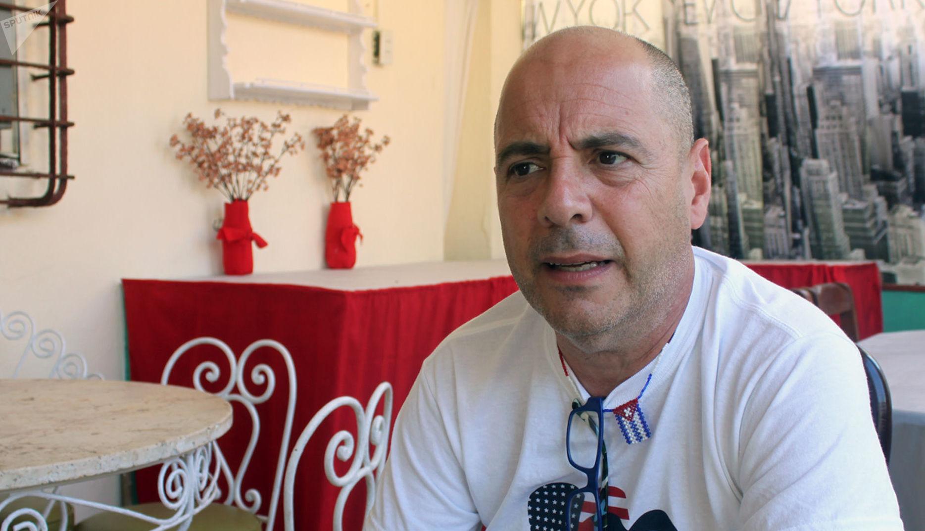 El profesor cubanoamericano Carlos Lazo