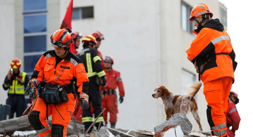 Operación de rescate tras el terremoto en Albania