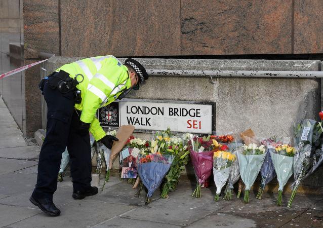 Lugar del atentado en el Puente de Londres en el Reino Unido