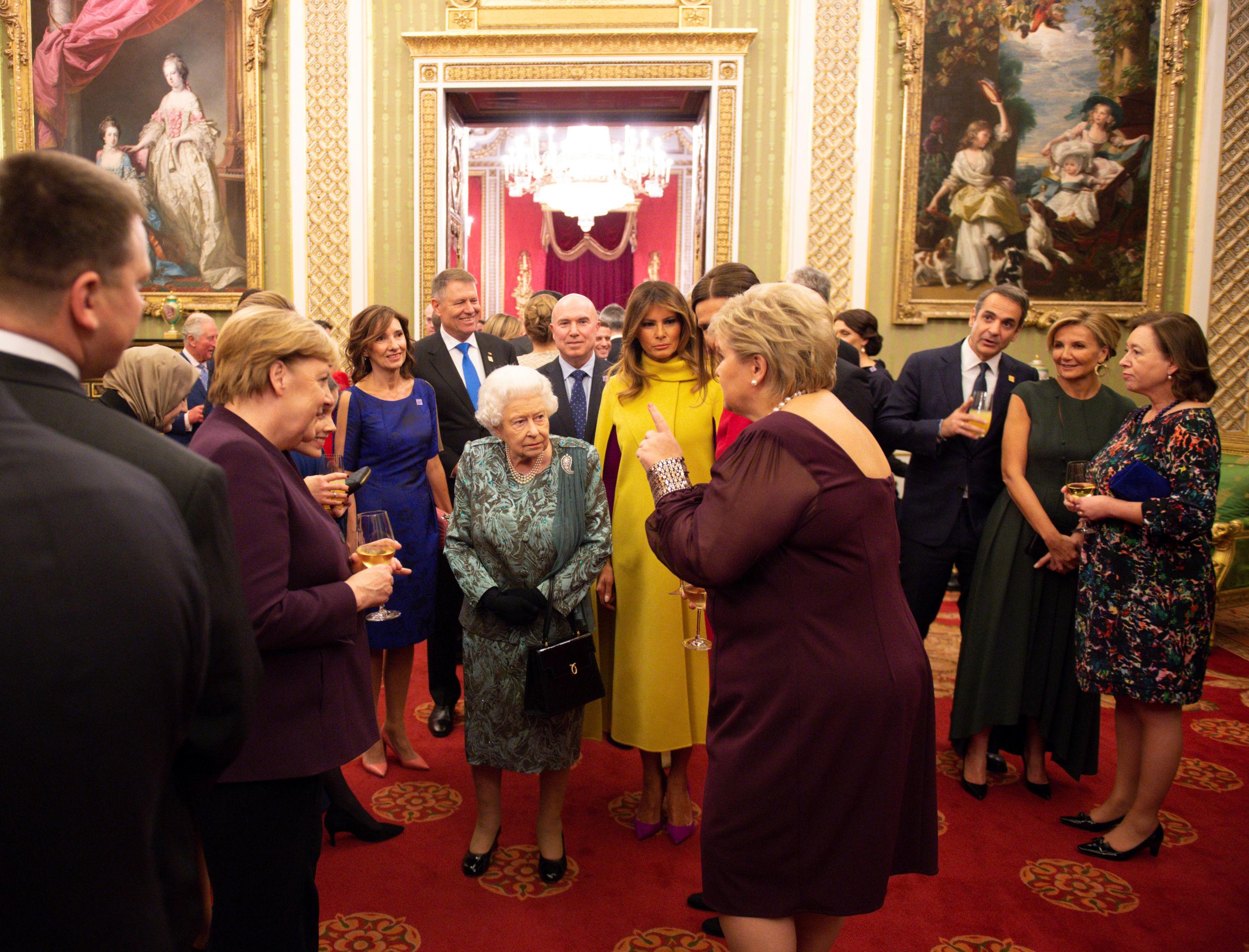 La reina Isabel II recibe a los líderes de la OTAN en el palacio de Buckingham