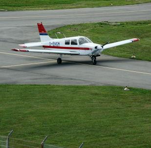 Una avioneta Piper, foto de archivo