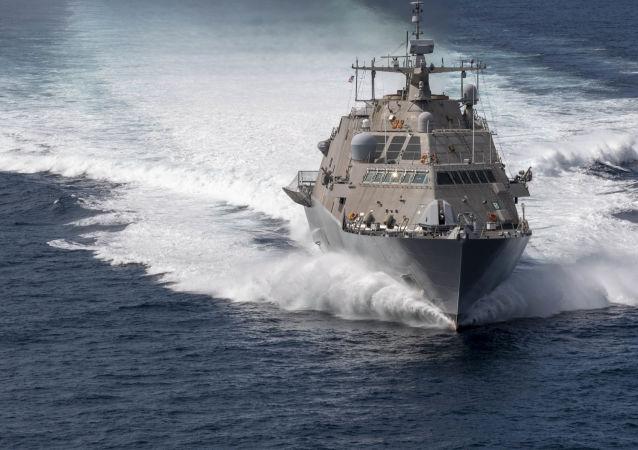 El buque de guerra estadounidense Freedom USS Detroit (LCS 7)