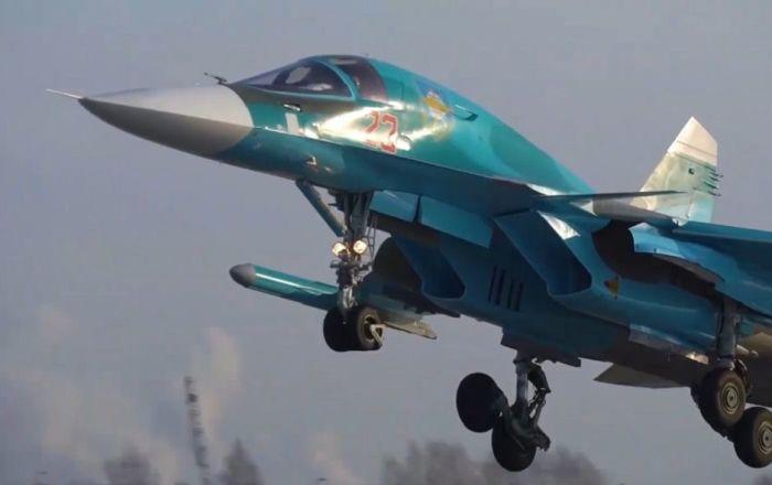 Así los cazabombarderos rusos Su-34 entran en el combate más complicado