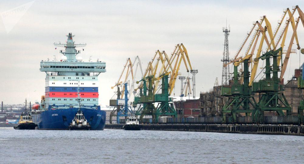El rompehielos nuclear ruso Arktika
