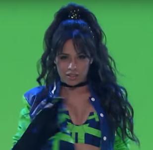 Camila Cabello en su actuación en el programa de Jimmy Fallon