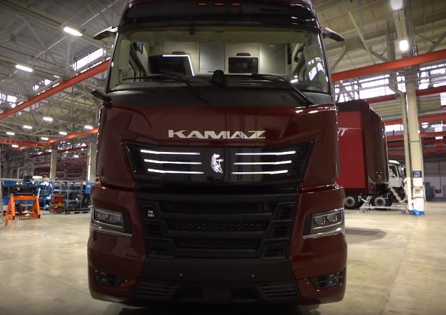 El camión KamAZ-54907