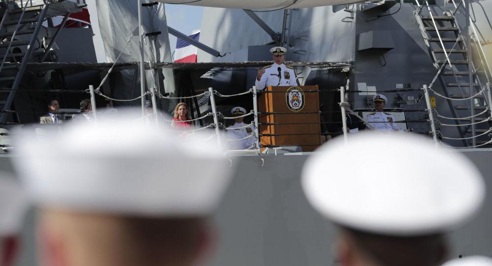 El jefe del Comando Sur de EEUU, Craig Faller, dando un discurso ante efectivos de la Marina estadounidense