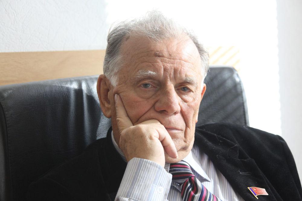 Zhorés Alfiórov, científico ruso (archivo)