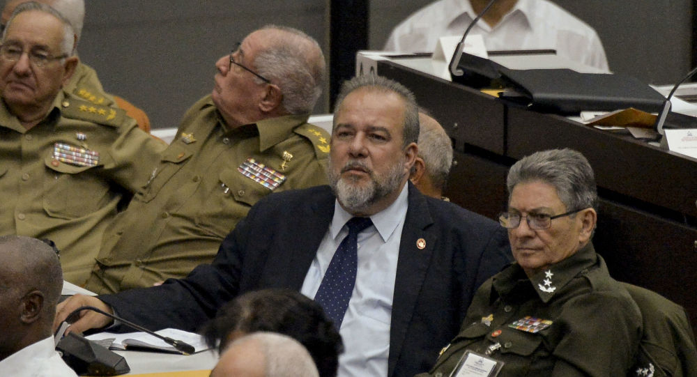 Manuel Marrero (centro), nuevo primer ministro de Cuba