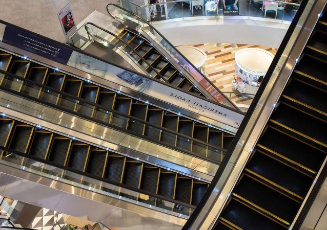 Escaleras eléctricas (imagen referencial)