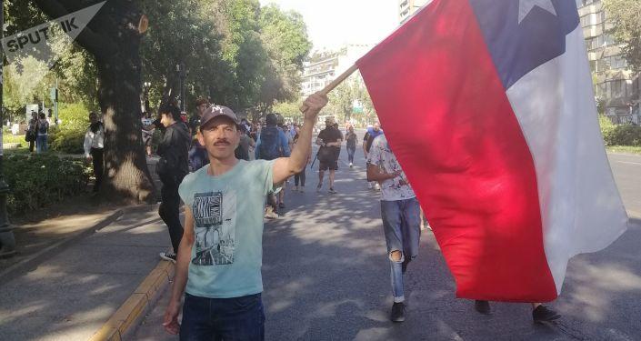 Un manifestante chileno