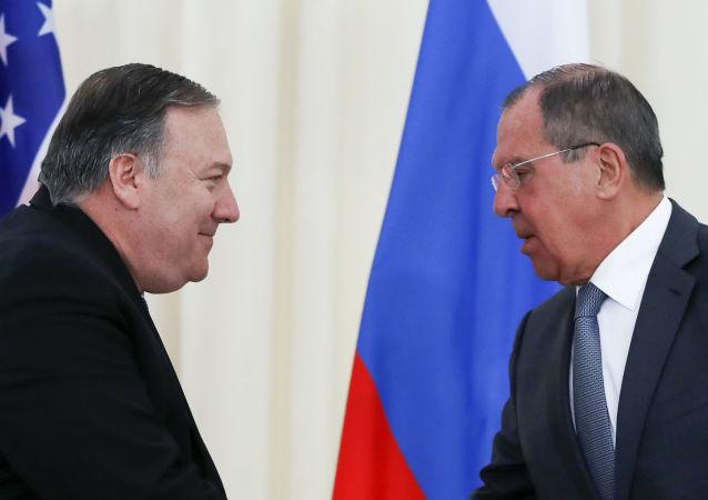 Secretario de Estado de EEUU, Mike Pompeo, y ministro de Asuntos Exteriores de Rusia, Serguéi Lavrov