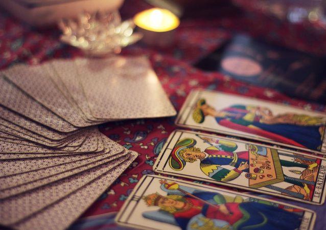 Cartas de tarot. Imagen referencial