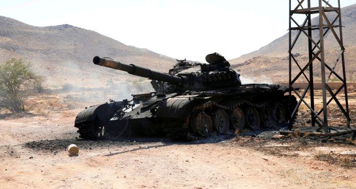 Un tanque destruido del Ejército Nacional Libio