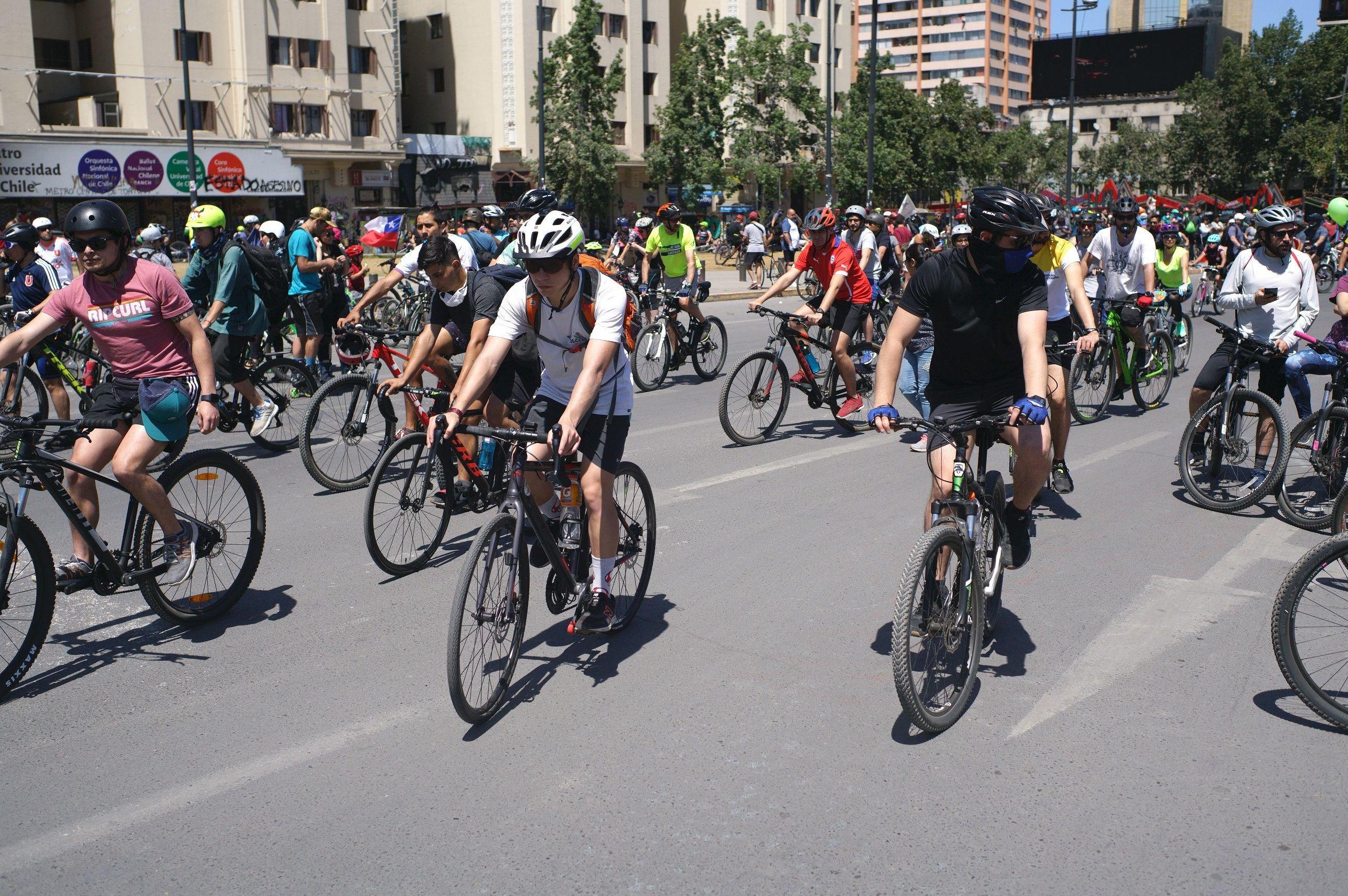 La venta de bicicletas en Chile aumentó un 90 % desde el 18 de octubre