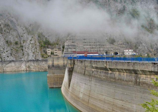 Planta de hidroeléctrica (imagen referencial)