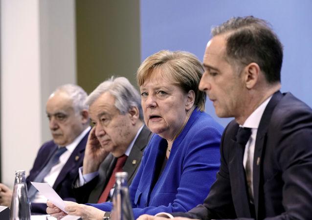 Angela Merkel en la conferencia sobre Libia