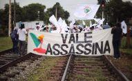 Manifestantes del Movimiento de Afectados por las Represas marchan desde Belo Horizonte hasta Brumadinho