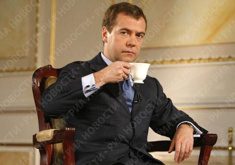 Dmitri Medvedev cumple 100 días en la presidencia de Rusia