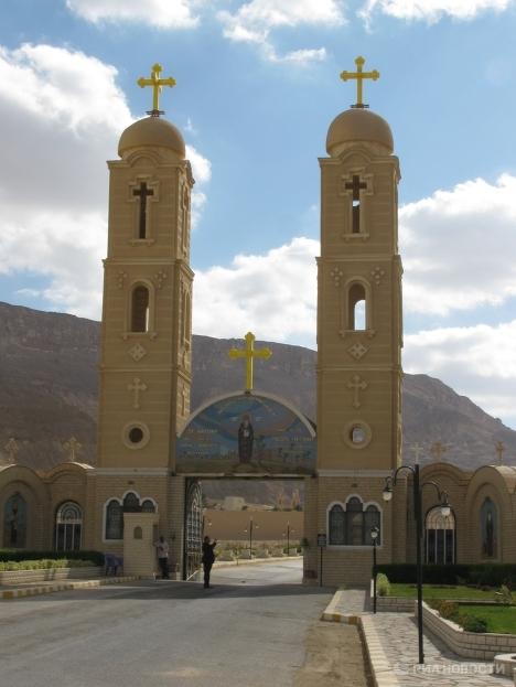 El monasterio de San Antonio el más antiguo del mundo, una perla en el desierto de Egipto