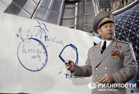 Alexéi Leónov, el hombre que realizó la primera caminata espacial